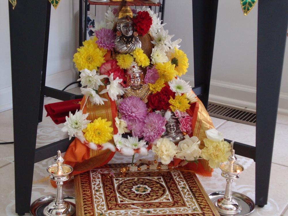 எங்கள் வீட்டு  வரலக்ஷ்மி பூஜை (3/6)