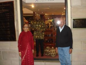 ஜோஹான்ஸ் பர்க்,மண்டேலா உருவச் சிலையுடன்