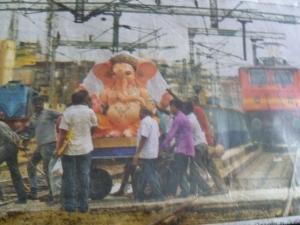 சென்னை ஸென்ட்ரலில் மும்பை கணேஷ் வருகிறார். பராக். எச்சரிக்கை