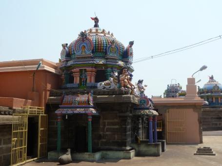 பக்கத்து விமானம்