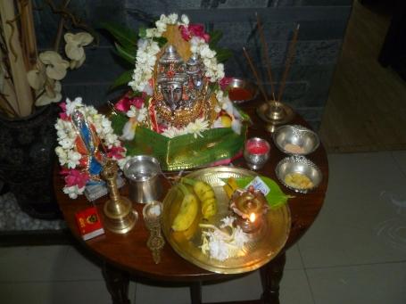 அம்மனழைக்க  ரெடி.